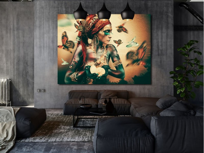 Interior tip: exclusive art by Jaime Ibarra