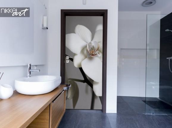 Bathroom with Doorsticker Orchid