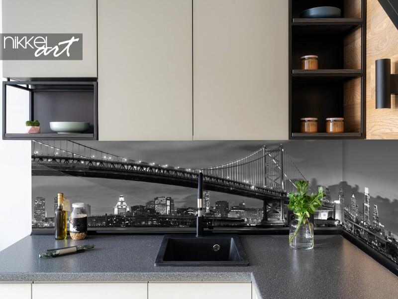 Glass kitchen splashback with skyline New York
