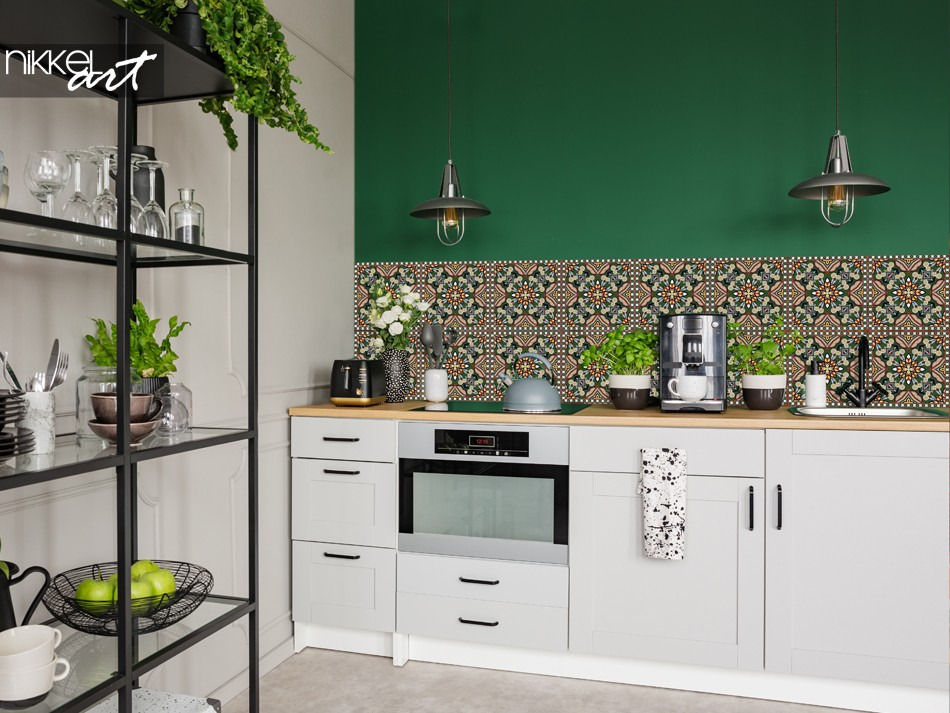 Printed Kitchen Splashback with Traditional Pattern