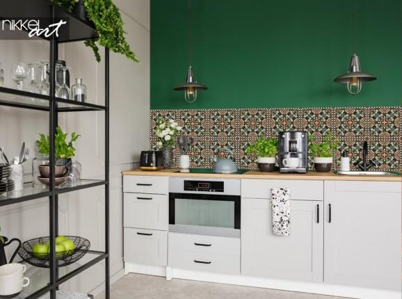 Printed Kitchen Splashback with Traditional Pattern